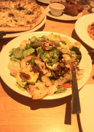 California Pizza Kitchen Guam: 料理