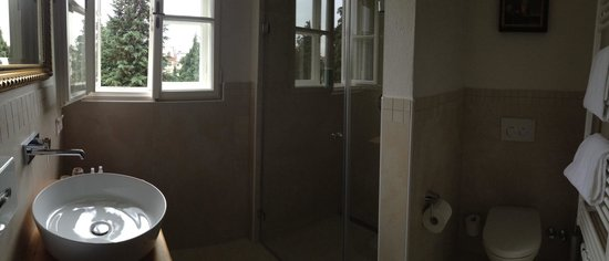 Hotel Amadeus: Very nice bathroom