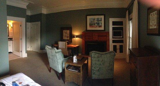 The James Madison Inn: Luxury Room