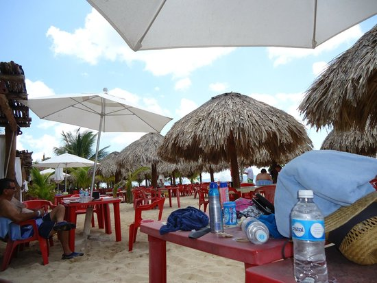 Mr Sanchos Beach Club Cozumel : Tables at Mr Sanchos