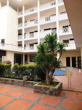 Villa Hue: de binnenplaats van het Hotel