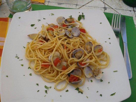 Joe al Nautilus: Pasta con le vongole