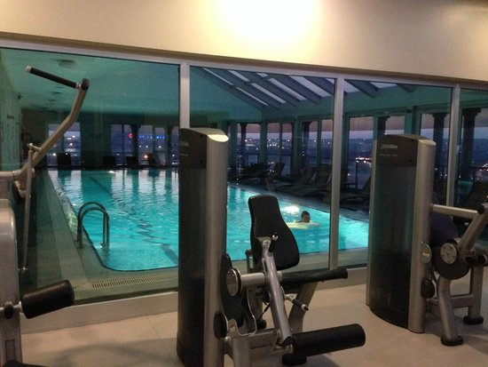 WOW Istanbul Hotel: gym on th 15th floor