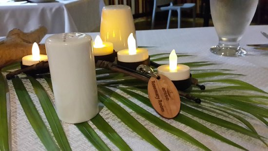 Anise Resort and Spa: Table