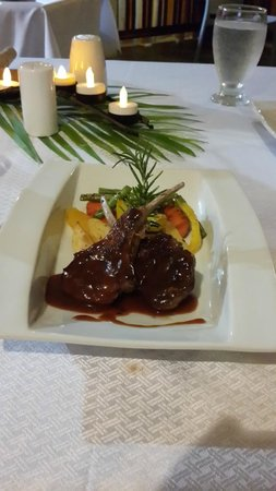 Anise Resort and Spa : Dinner
