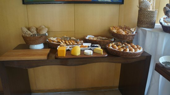 Hyatt Bangalore MG Road: Sunday Brunch