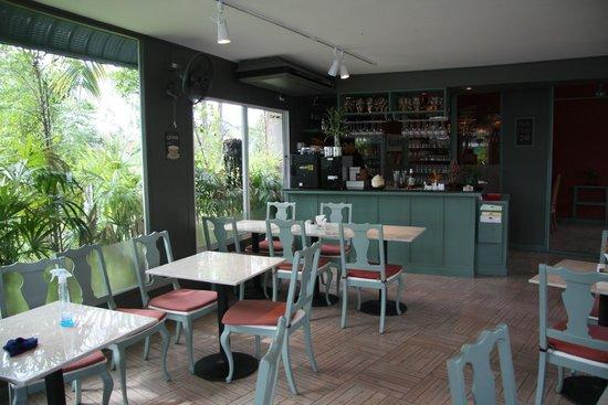 The Corner Restaurant: Restaurant