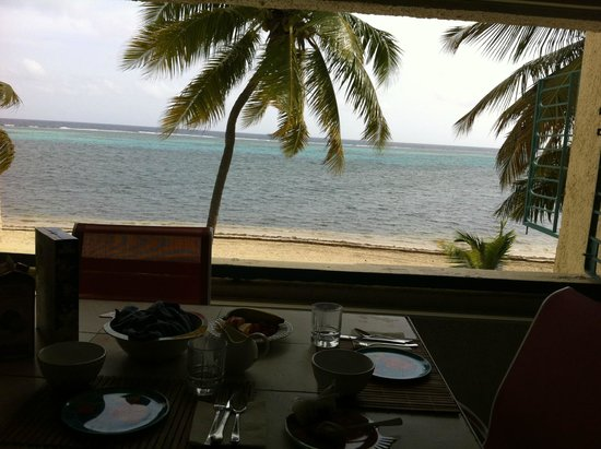 Sugar Beach Condominiums: The view during our first breakfast!