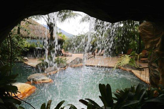 The Springs Resort and Spa : área de piscinas, con aguas termales
