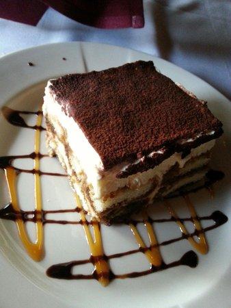 Nirchi's Restaurant: Tiramisu