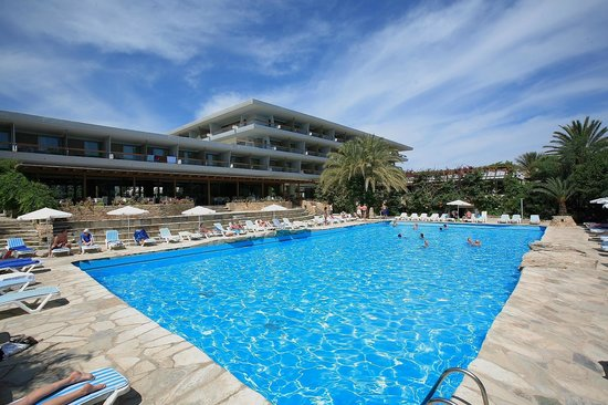 Sitia Beach City Resort & Spa : Hotel und Poolbereich