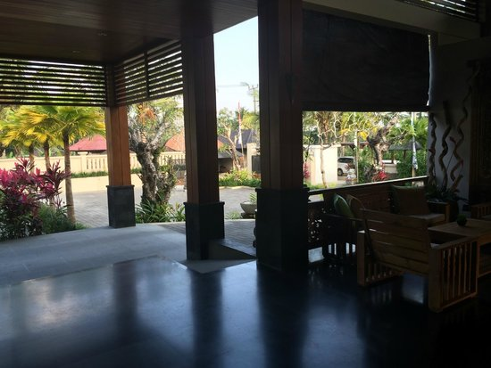 Onje Resort and Villas : salle à manger