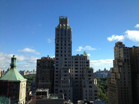 West 57th Street by Hilton Club : 24th Floor Living Room View