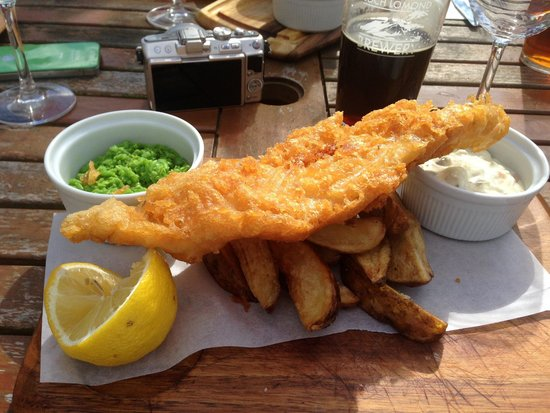 Loch Lomond Arms: tasty fish and chips here