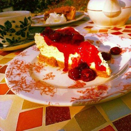 Tea and Garden Rooms: Cherry cheesecake!