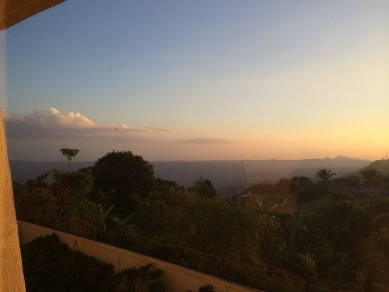 Taal Vista Hotel: View from the window - watching the sunset