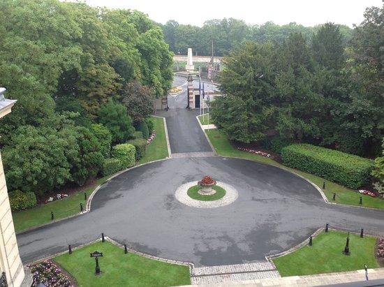 Chateau les crayeres entry to le jardin picture of le jardin les crayeres reims tripadvisor - Restaurant le jardin reims crayeres ...
