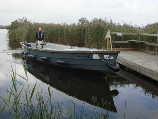 Hickling Broad: Jim arriving with our boat