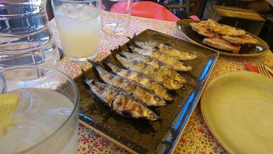 Toc Al Mar: Grilled sardines - divine!