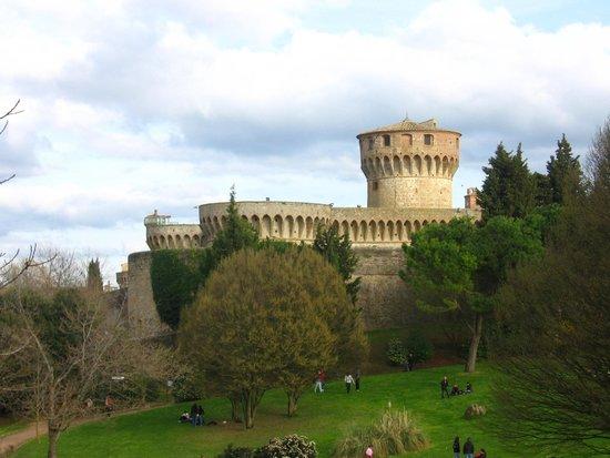 Parco Archeologico: La Rocca Nuova con il Mastio