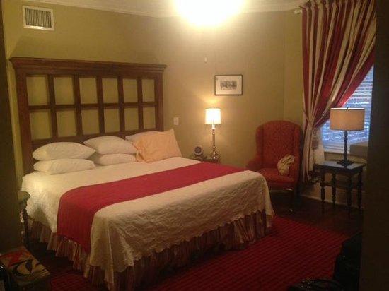 The Marshall House: Room 401