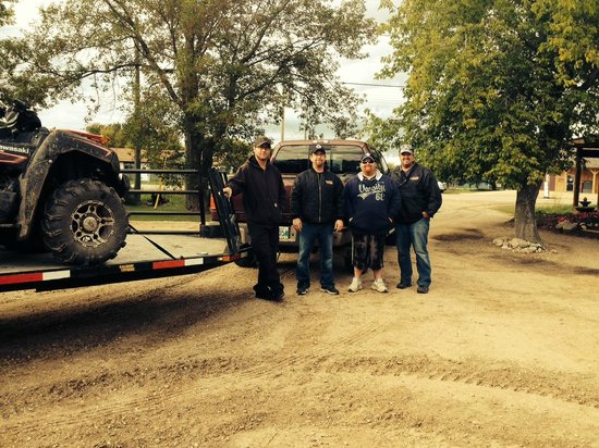 Wilderness Gate Lodge: ATV group from Manitou area