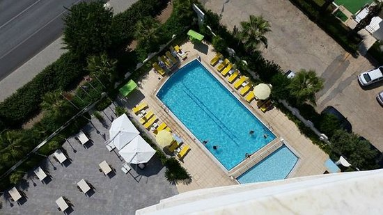 The Corner Park Hotel: Swimminpool
