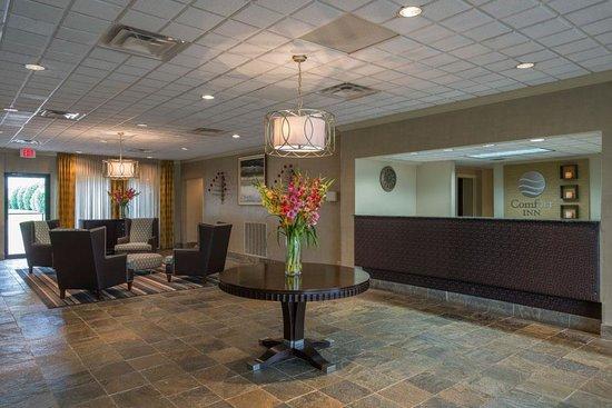 Comfort Inn Monticello: Lobby