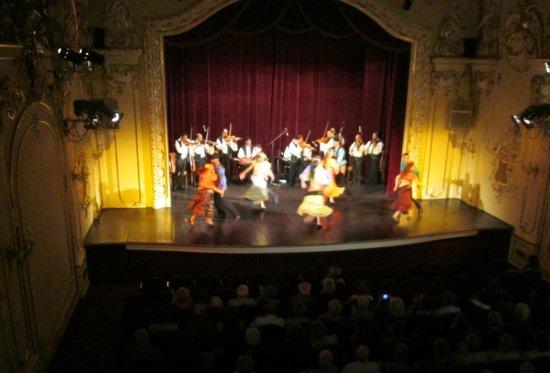 Hungarian State Folk Ensemble: The Hungarian Folklore Concert