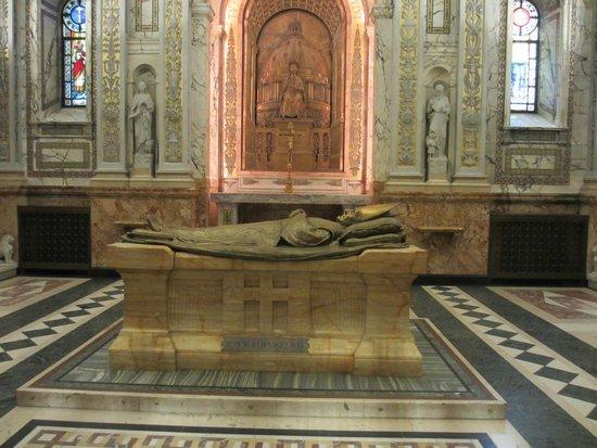 Cathedral of Marie-Reine-du-Monde: Bishop Ignace Bourget Tomb