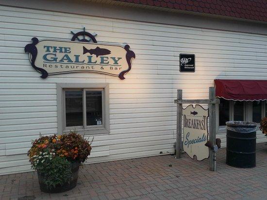 The Galley Restaurant: Restaurant outside