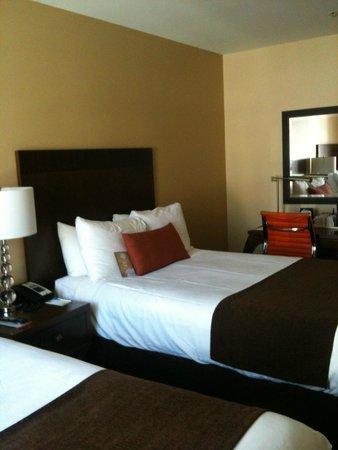 Comfort Inn Downtown: Camas con diferentes almohadas