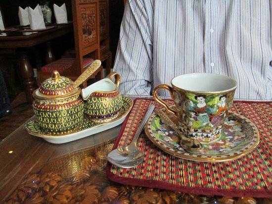 Thai Orchid : Tea served beautifully