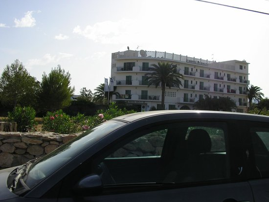 azuLine Hotel Galfi: The hotel from the road