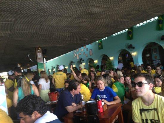 Boteco Praia : Brasil v Mexico Match