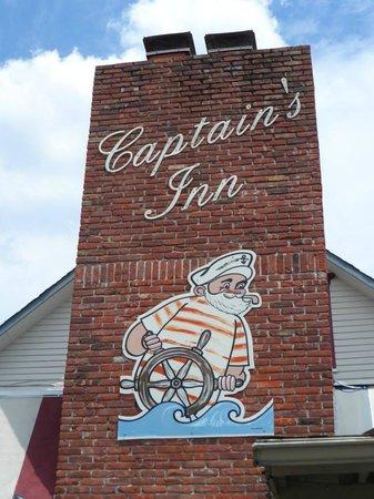 Cedar Creek Campground: Captains Inn - My favorite restaurant
