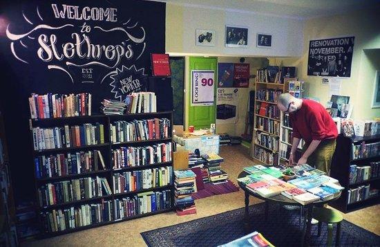 Slothrop's English Language Bookshop: Inside of the shop!