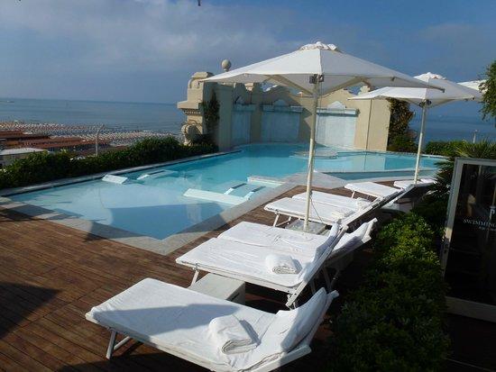 Grand Hotel Principe di Piemonte: Rooftop pool