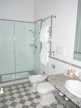 Grand Hotel Principe di Piemonte: Bathroom