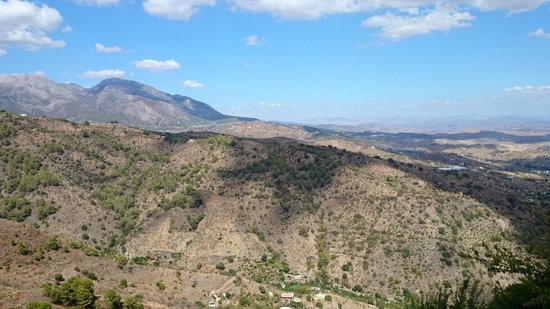 Hotel Cerro de Hijar: The view from the balcony of our suite
