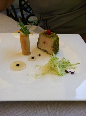 Ristorante Butterfly: Delicious fois gras with an apple strudel and apple slaw