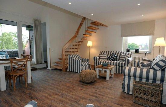 Acqua Strande Yachthotel & Restaurant : Der Wohnbereich unserer Maisonette-Suite Lee