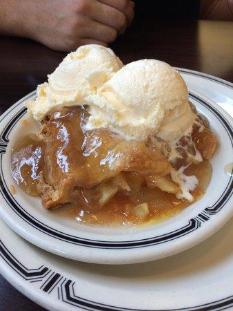 Langer's : Apple Pie with Brandy Sauce a la mode. BEST. EVER.