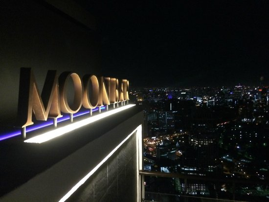 Moon Bar Bangkok : Closer to the moon