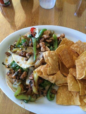 Castaway Cafe: fish tacos