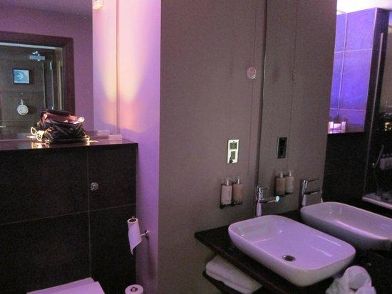 Innovative World Imports Galway 1 Light Bath Light In Satin Nickel Finish