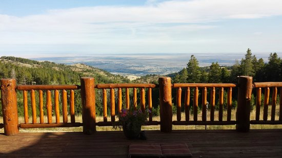 Sunburst Lodge Bed and Breakfast: View from the deck