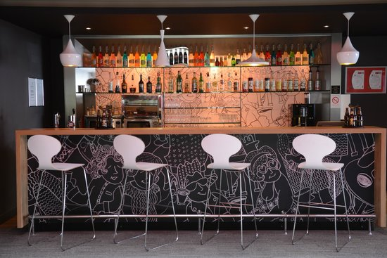 Ibis Lyon Part Dieu Les Halles : Bar
