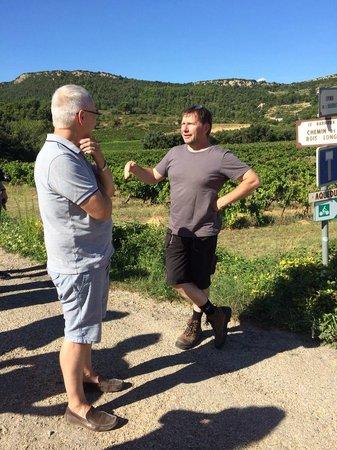 La Madelene : Philip talks with Phillipe, the passionate local vigneron