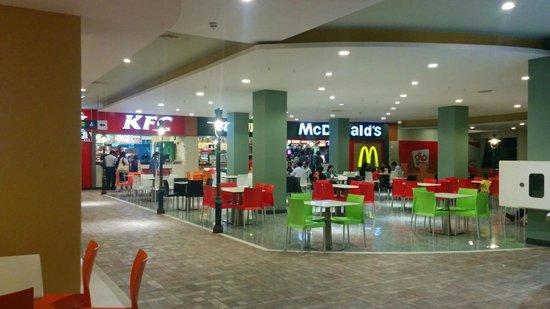 Dolmen Mall Tariq Road